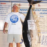"1st Place Tuna Winner  |  Photo by <a href=""http://www.mgcbcphotos.com/alariclambert/alaricLambert/Home.html"" target=""_blank""> Alaric Lambert</a>"